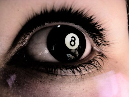 8_ball_eye_by_suphafly